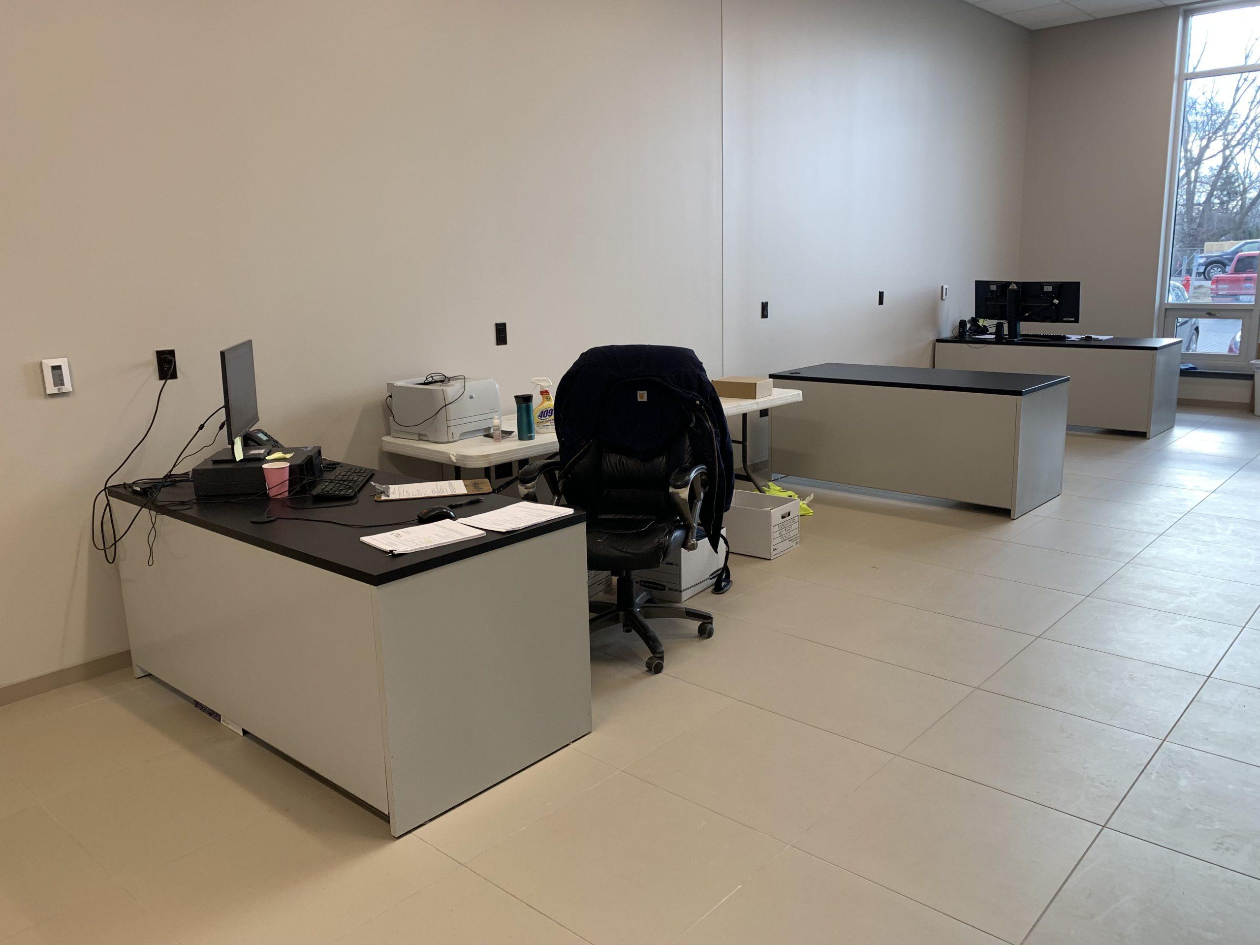 Single Desks